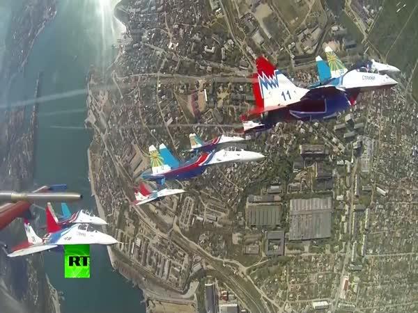 Působivá ukázka ruského letectva