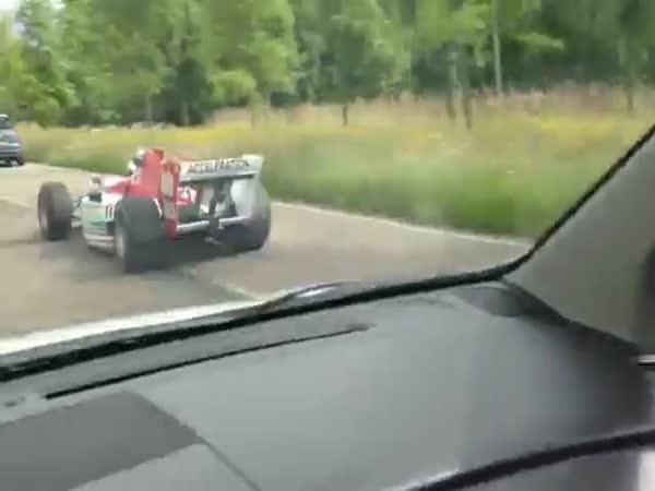 Formule F1 na dálnici