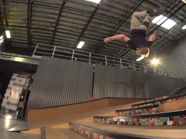 Backflip na skateboardu
