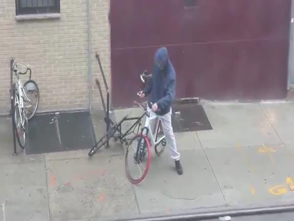 Nejhorší zloděj kol