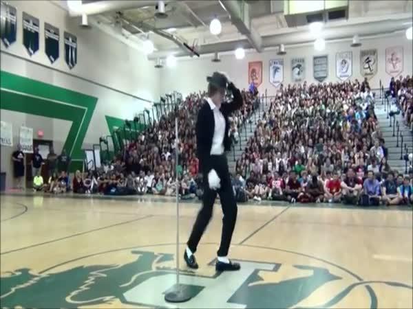 Pohyby jako Michael Jackson