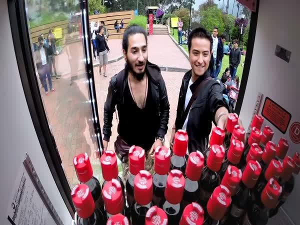 Coca-Cola má nový uzávěr