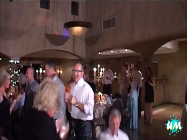 Největší blbci - tanec