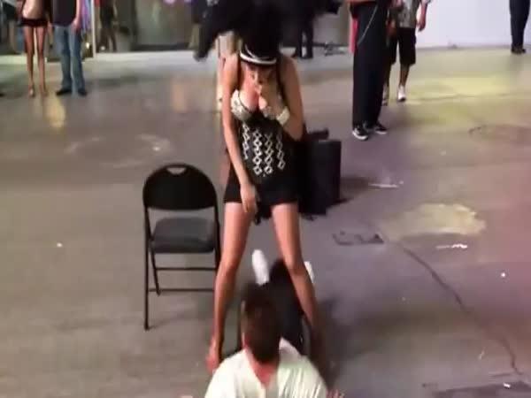 Nečekané překvápko od tanečnice