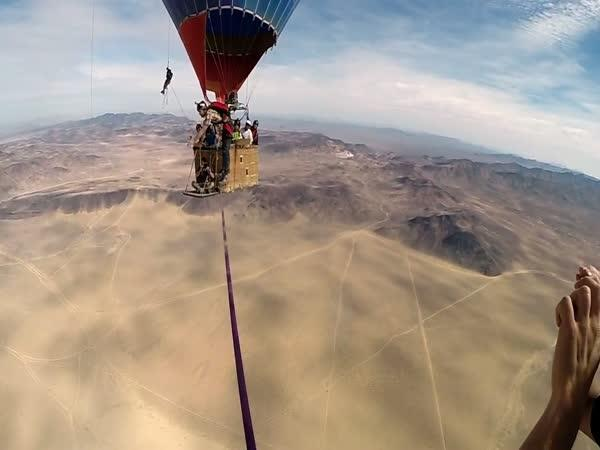 GoPro - Na laně mezi balony