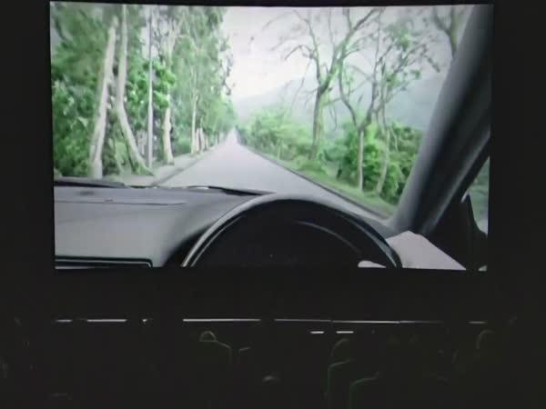 Experiment - SMS za volantem