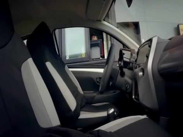 Nachytávka - auto bez řidiče