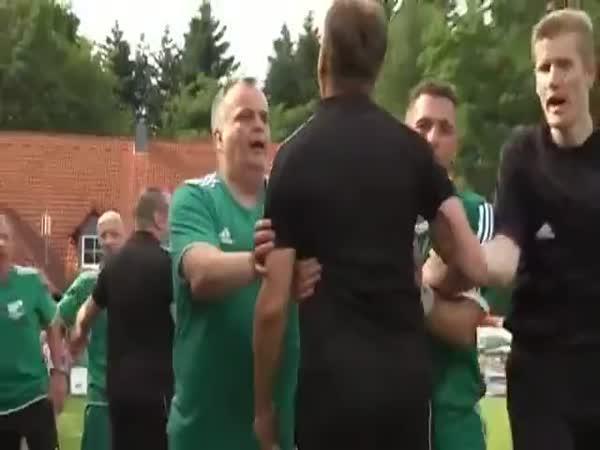 Simulující trenér
