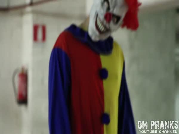 Nachytávka - vraždící klaun 2