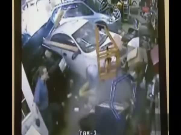 Největší blbci - řidič vs. výloha