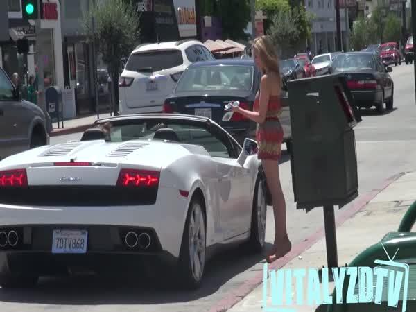 V Lamborghini není třeba slov