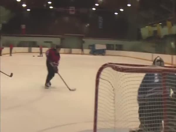 Nejtvrdší hokejová rána!