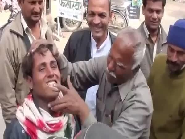Bělení zubů v Indii