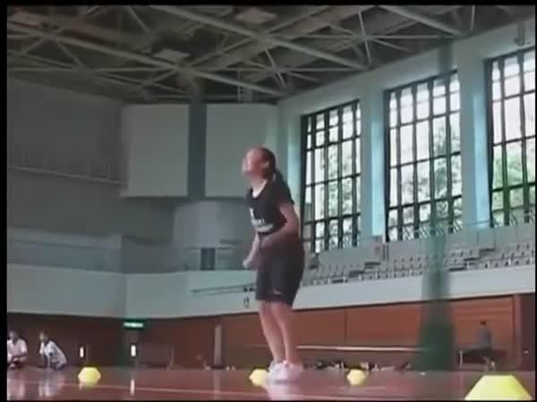 Nejrychlejší skákání přes švihadlo