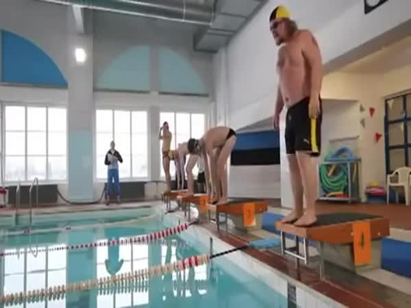 Plavecké závody po 1l vodky
