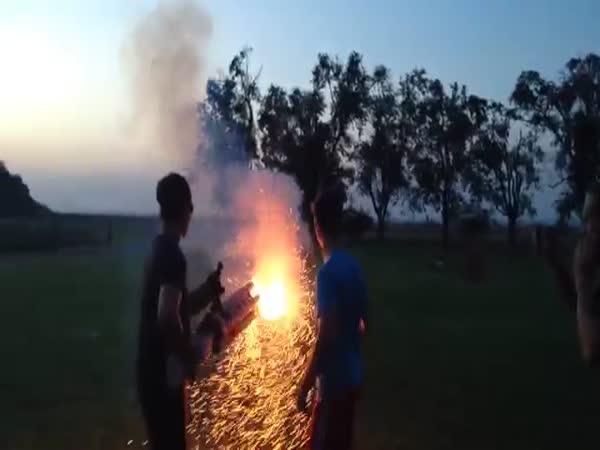 Ohňostroj - ruční raketomet