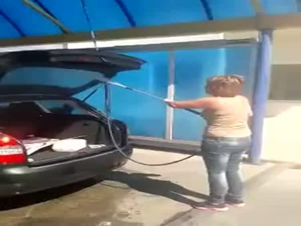 Když pošlete manželku do myčky