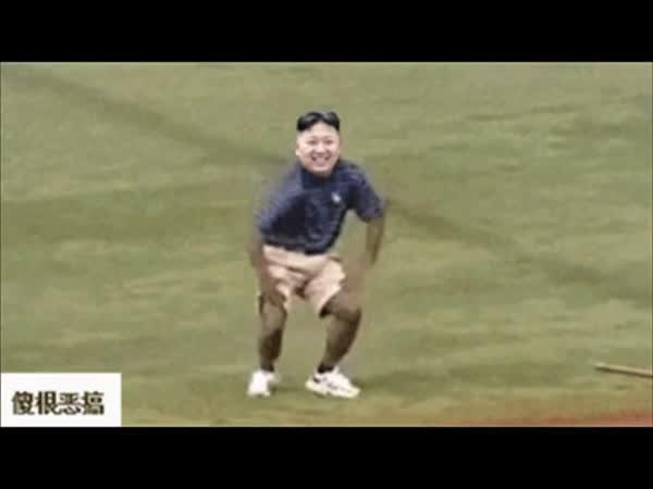 Kim Čong-un tancuje