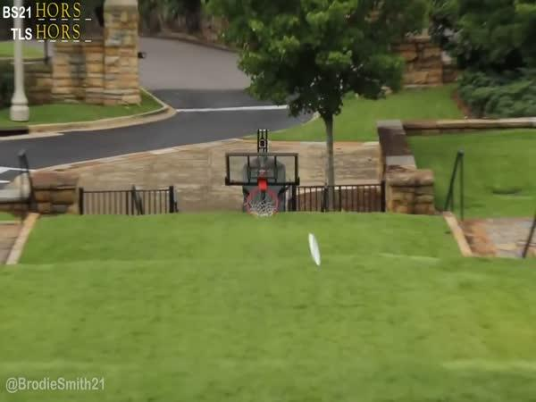Brodie Smith - Basketball vs. frisbee
