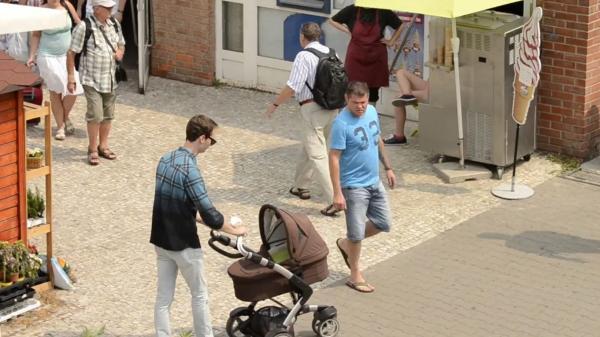 Týrání dětí na veřejnosti