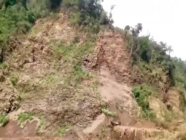 Vietnam - přívalová vlna