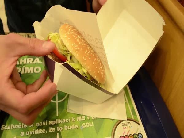 ČR - Jídlo z fast foodu versus reklama