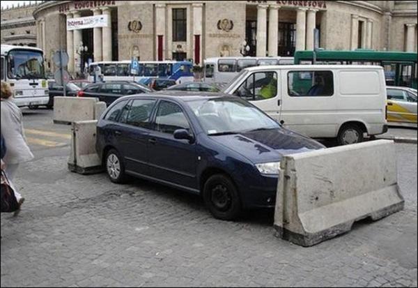 GALERIE - 17 trestů za špatné parkování