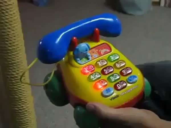 Sprostý dětský telefon