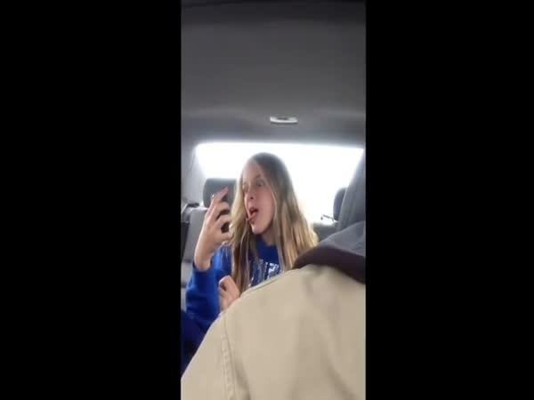 Otec přistihl dceru při selfie