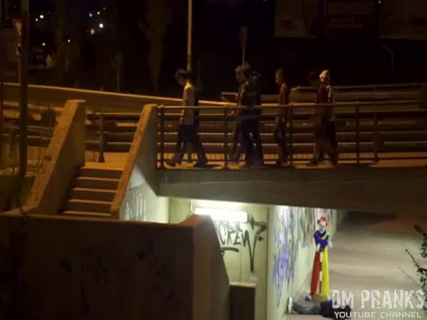 Nachytávka - Vraždící klaun 3