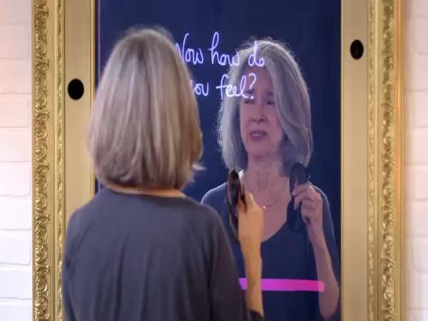 Zrcadlo mění pohled žen na sebe samou