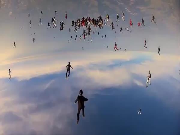 GoPro - Vertikální skydiving