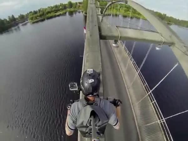 Přes most trochu jinak