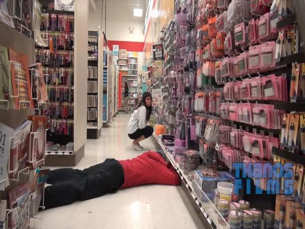 Klouzání se v obchodě