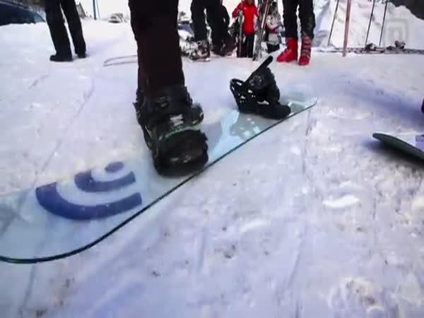 Skleněný snowboard