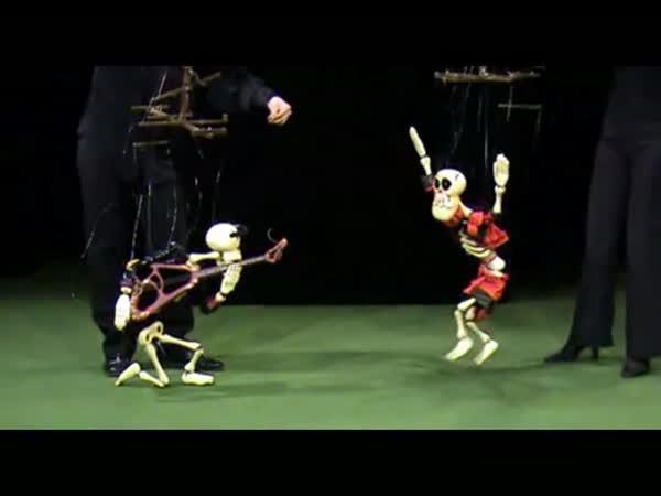 Tančící kostlivci