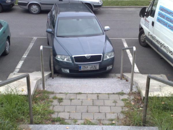 GALERIE - Blbci parkují #7