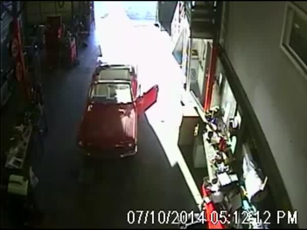 Záchranná akce pro Ford Mustang