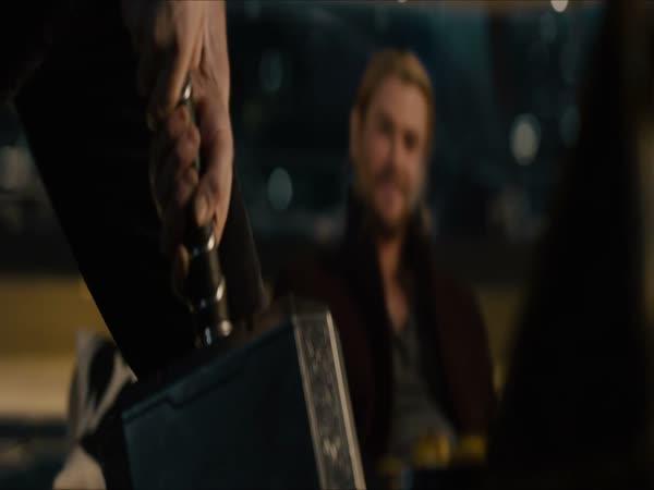 Jak těžké je Thorovo kladivo?