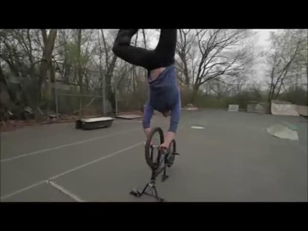 Opravdu epické triky na BMX