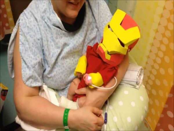 Táta vyrobil kostým IronMana pro syna
