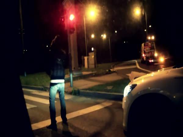 Tanec před autem