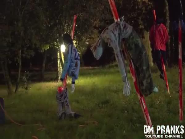 Nachytávka - vraždící klaun 4
