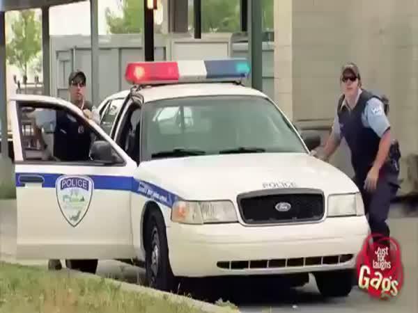 Policejní skrytá kamera