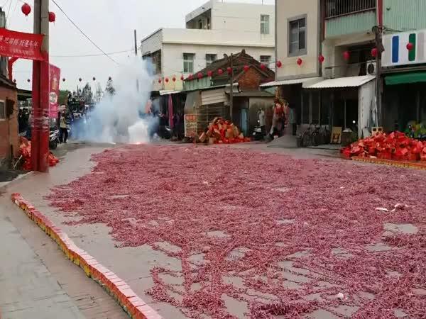 Šílené odpálení tisíce petard