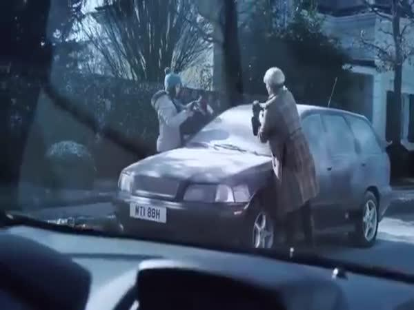 Ford - zamrzlé přední okno