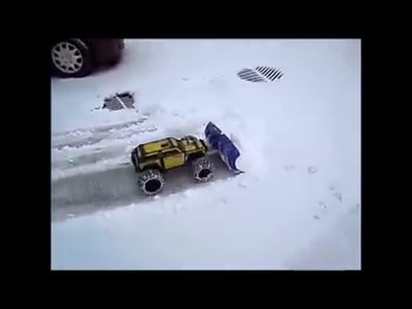 Odklízení sněhu - RC autíčko