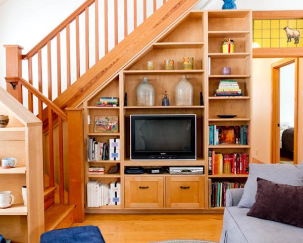 GALERIE - Využití místa pod schody