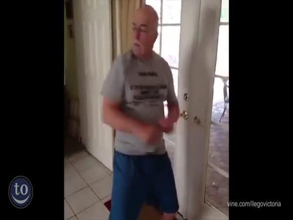 Šílení tatínkové tancují