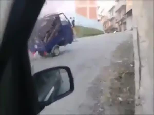 Nikdy to nezvdávej - řidič multikáry